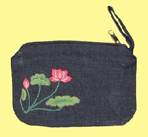 pouch 01